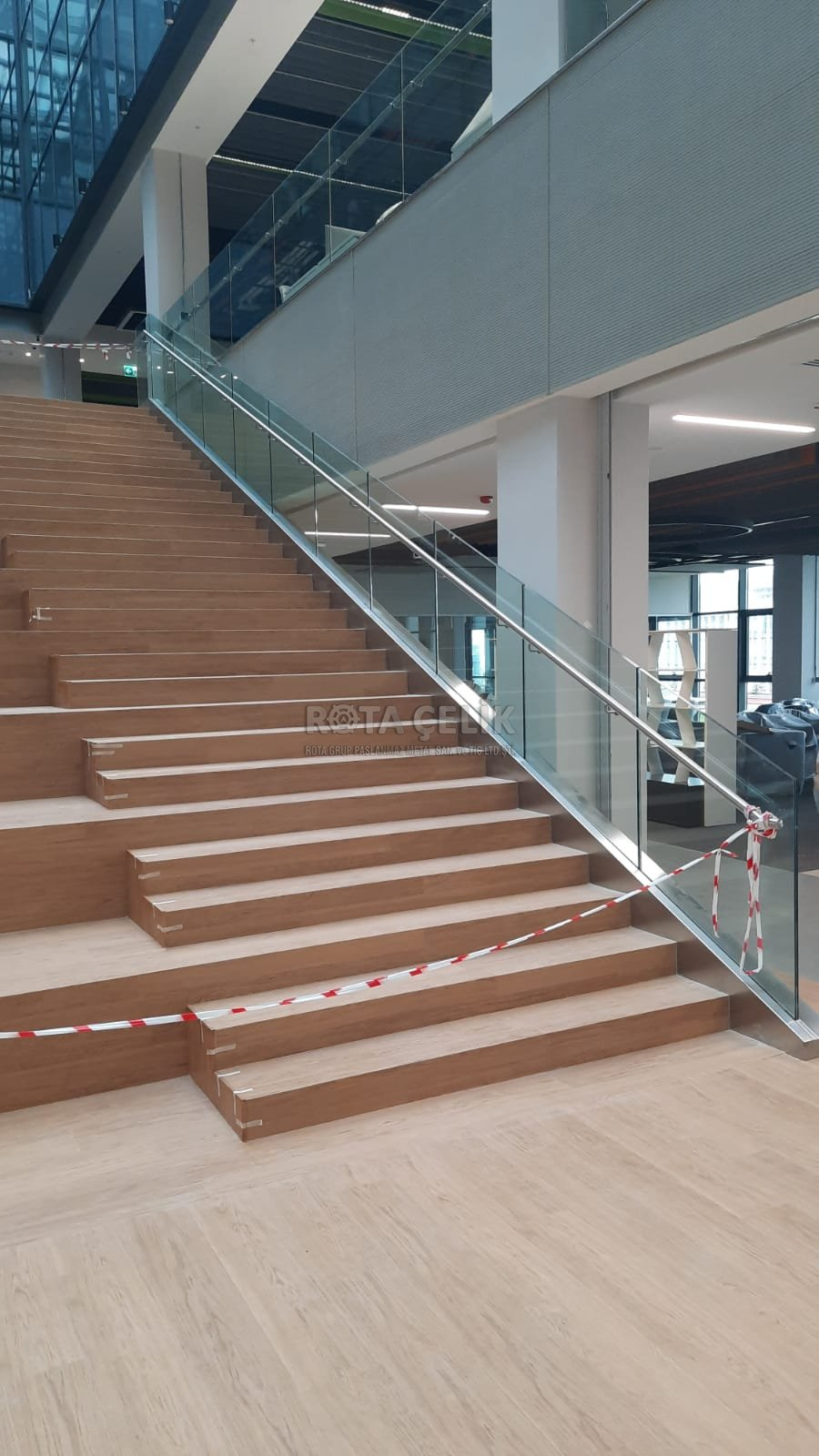 Stainless glass and spider railing